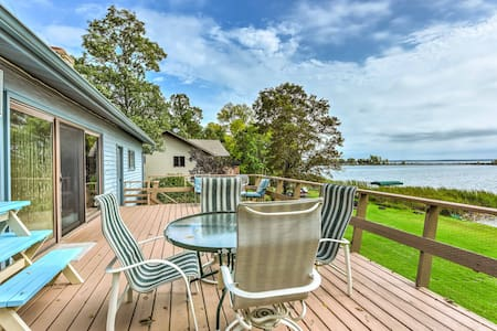 Breezy Point Family House w/ Dock on Pelican Lake!