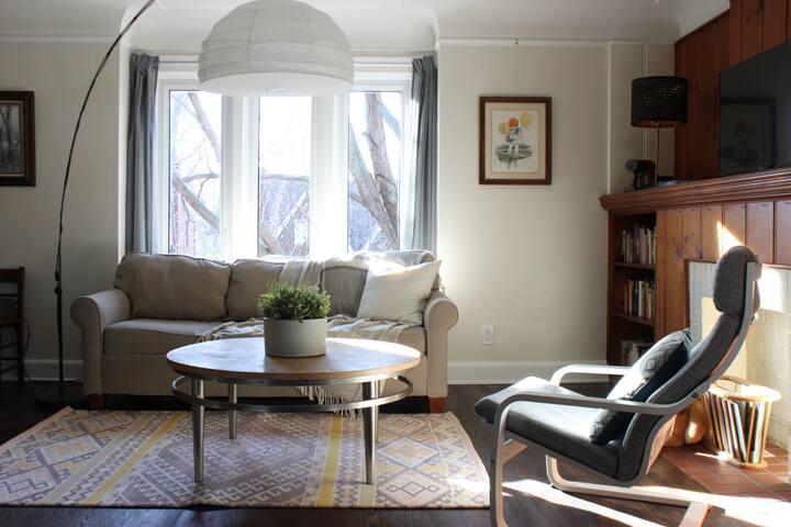 Beautiful Upper Apartment in Historic Neighborhood