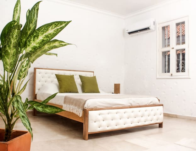 Spacious 3 bedrooms apartment in the old city