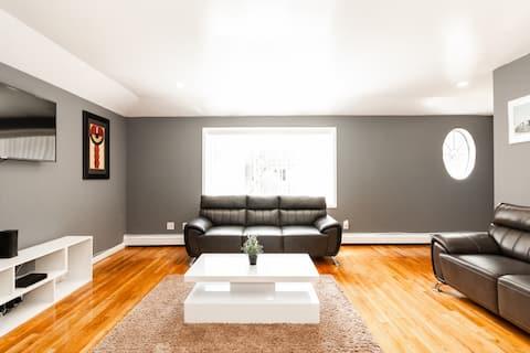 Luxury 3 Bedroom Apartment Wifi/JFK Airport/LIRR