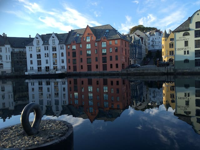 Welcome to the heart of Ålesund town centre!