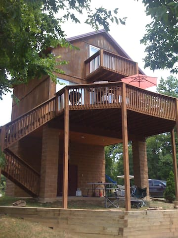 Beautiful 2 bedroom cabin on Current River - Pratt - Cabana