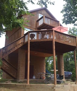 Beautiful 2 bedroom cabin on Current River
