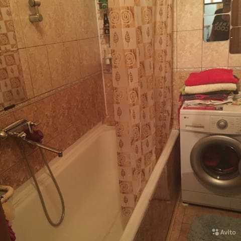 Bathroom (washer, hair dryer, several towels)