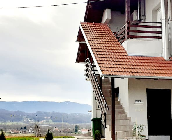 Zabok, apartmant for 6 pearsons,free parking wi fi