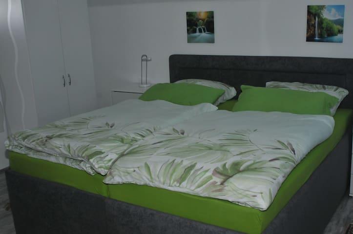 Schlafzimmer OG mit 3 Betten