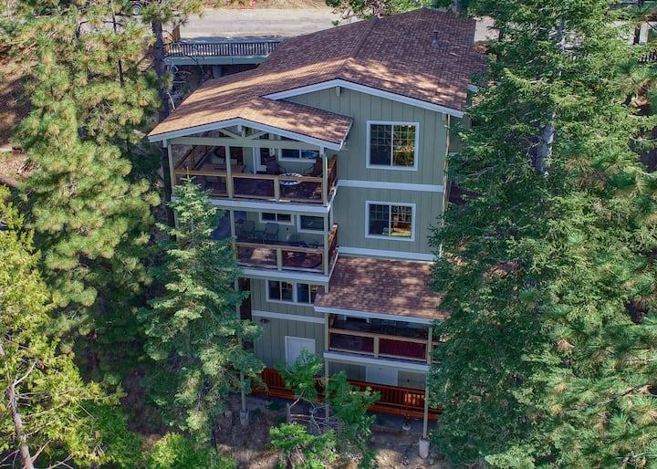 Cedar Star at Yosemite - Stay Inside Park Gates