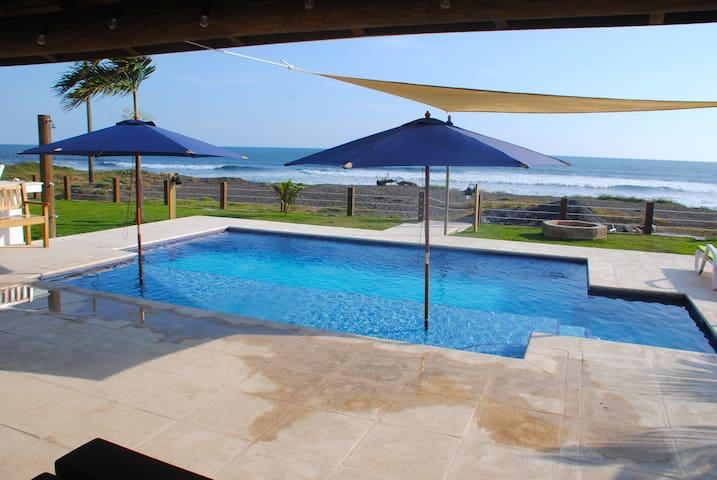 Villas Tortuga Paredon (Ocean Front)