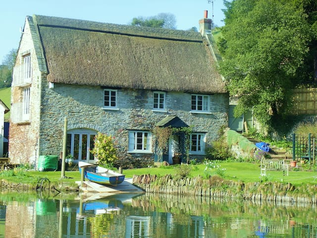 self-contained riverside property - Tuckenhay - House