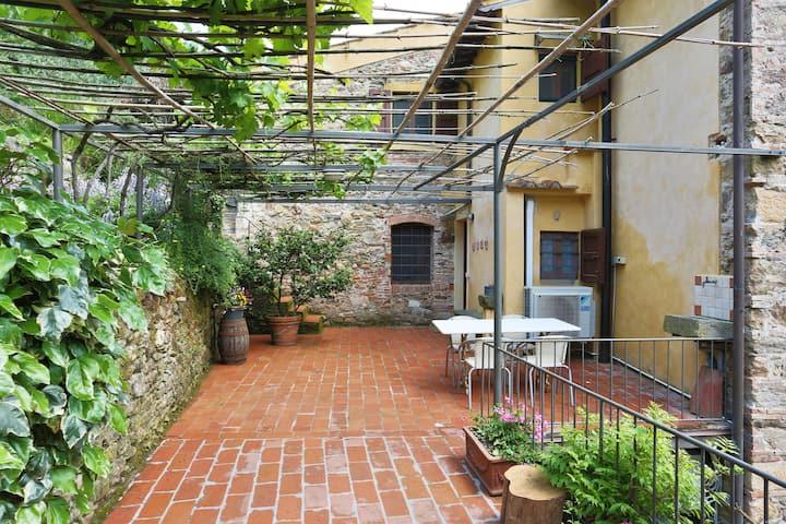 Il Pergolato - Ancient Tuscan Residence
