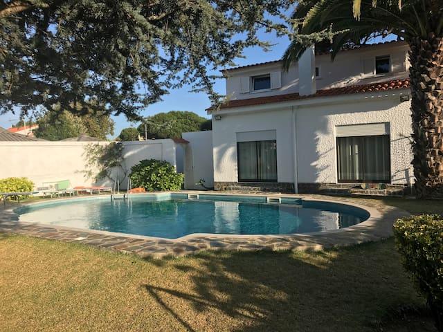 Casa de Férias com Piscina privada e Jardim