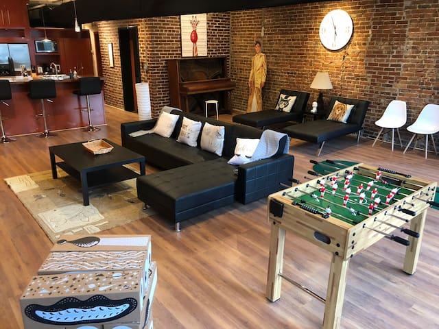 Fabulous stay in a modern loft - Memphis Magic