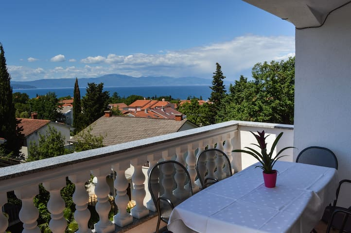 Modern family apartment with a view - Malinska