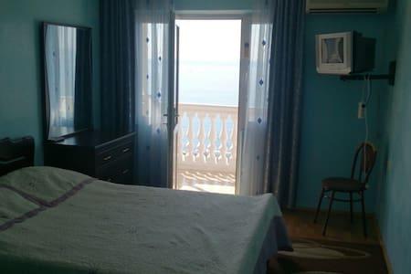 Гостеприимный дом с видом на море - Сарпи - Casa
