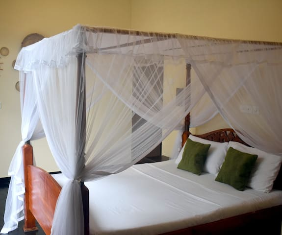 The Native - Room4: Double Room with Balcony +AC