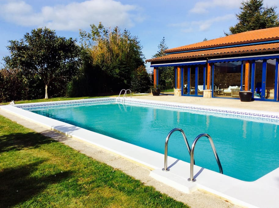chalet con piscina de 4 dormitorios houses for rent in