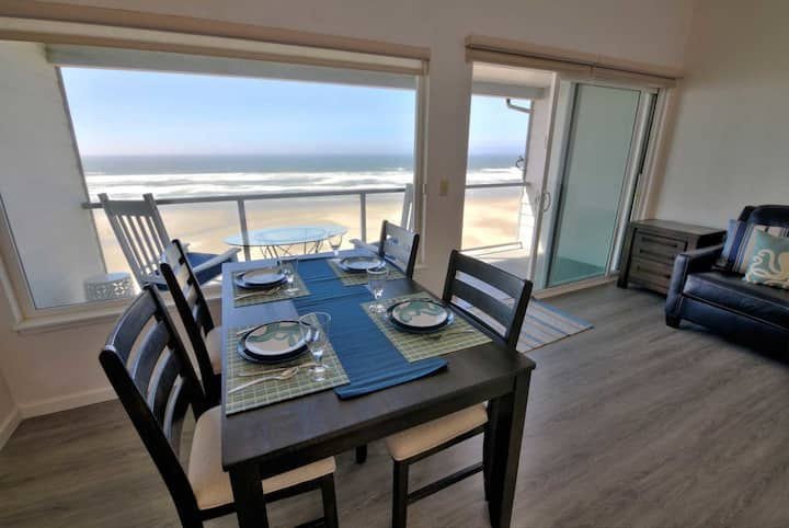 Ocean Front, Excellent Lighthouse Views, Nye Beach!