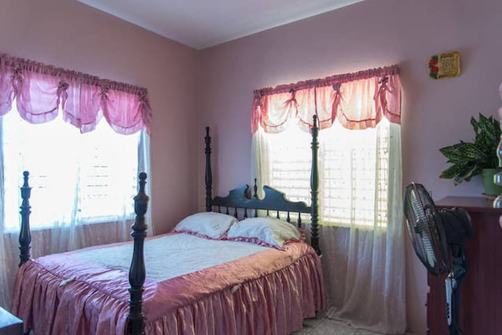 Live as a local in Mobay -bedroom#2