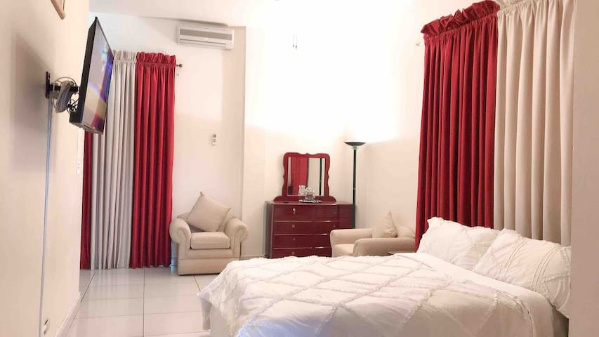 Spacious hotel like Bedroom, Queen bed, A/C