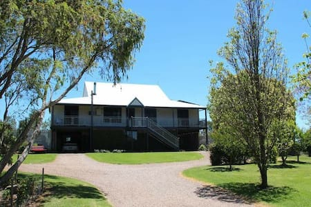 Historic Hunter Valley Morpeth area farmhouse - Millers Forest - Casa