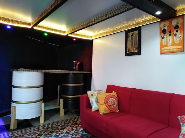 Studio de charme avec coin bar au cœur de Rabat.