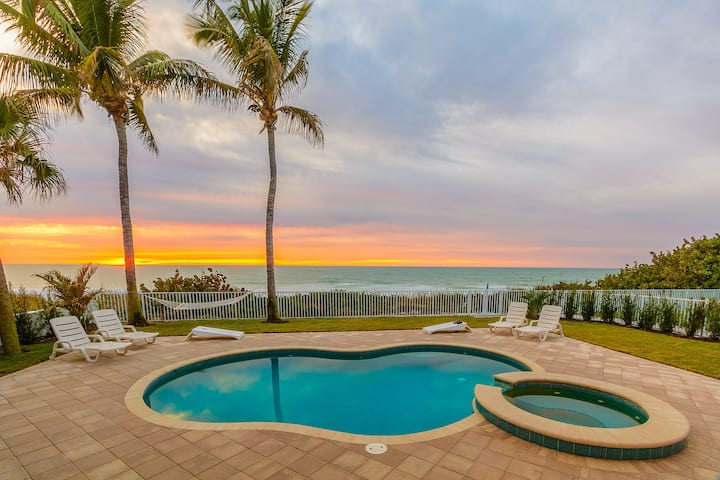 Ocean Sands - Beachfront with Private Pool