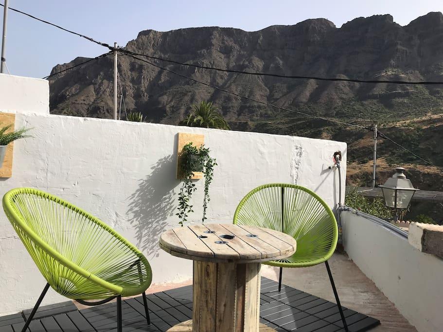 Desde nuestras sillas/hamacas podrás disfrutar de unas vistas maravillosas al valle de las 1000 palmeras