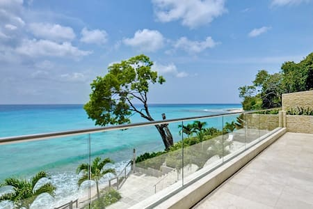 Portico 1 - Ideal for Couples and Families, Beautiful Pool and Beach - Prospect