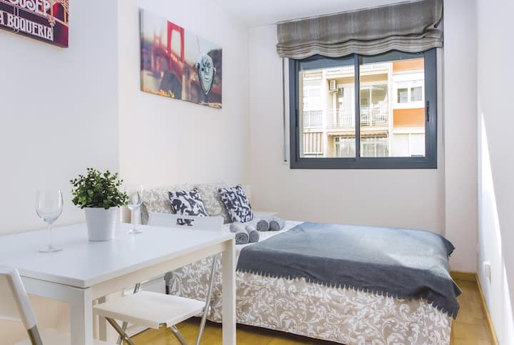Lovely Room for 2 people in the centre Barcelona