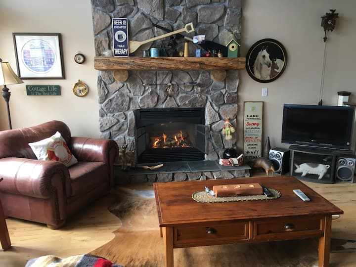 Cozy cottage at Little Bow Resort