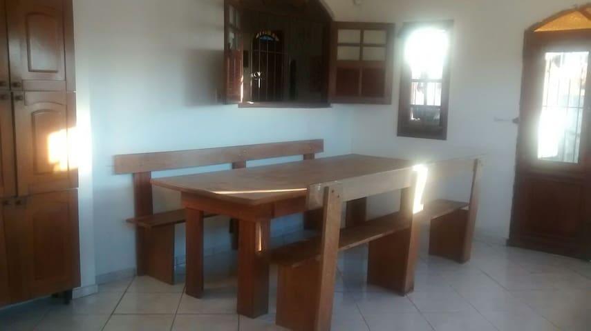 Suite Grande no Bom Pastor - Juiz de Fora - Casa