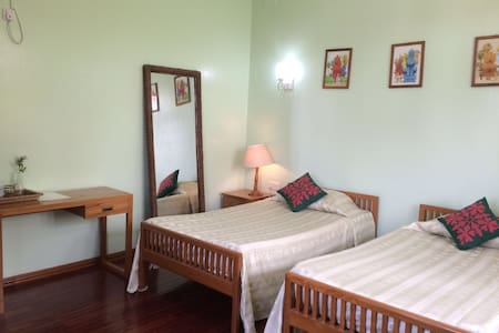 Ma Ma Guest House Room 301 - Mandalay - Bed & Breakfast