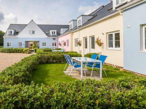 Ellingham St Martins - Cottages in Ideal Location