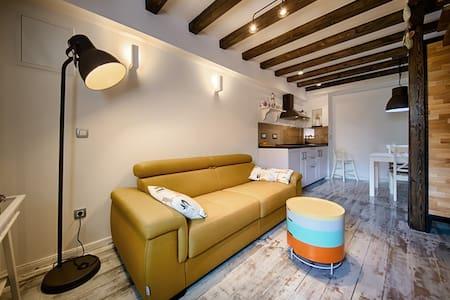 Riva suite 2 - Komiža - Apartment