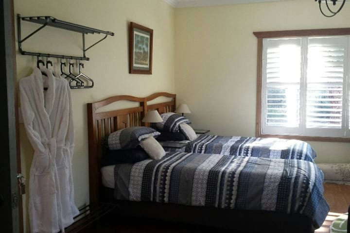 Iris Suite, Stringybark Hills Retreat