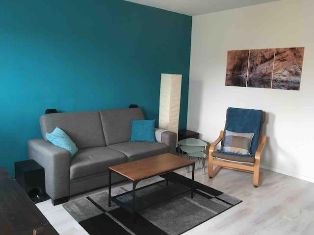 Voll möblierte 3-Zimmer-Wohnung mit Balkon und EBK