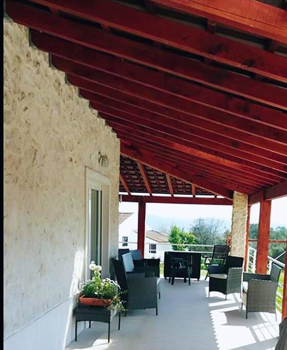 Side terrace, seating & fantastic views.