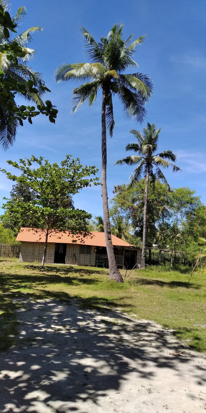 Native Aircon Family Cottage for 10, kitchen, 2 CR