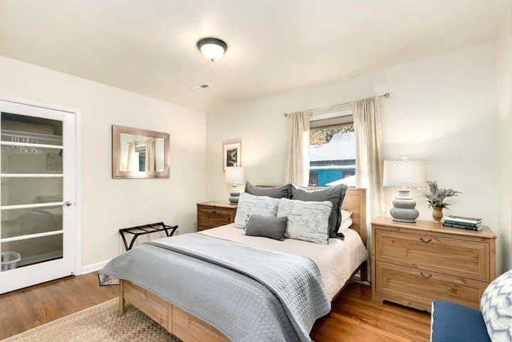 3rd Bedroom with bathroom access