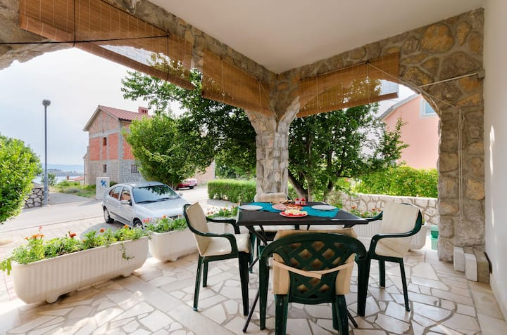 One bedroom Apartment, seaside in Omisalj - island Krk, Terrace