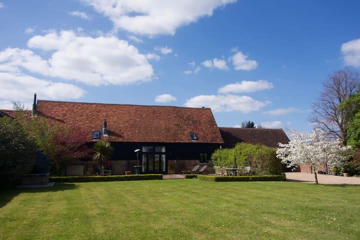 Magnificent Converted Barn Henley on Thames - Hambleden - House