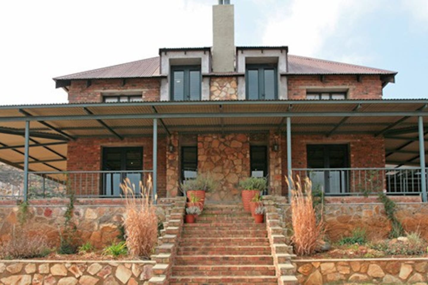 4 Bedroom Hillside House (Approx 440 sqm in size)