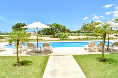 |ME VACATION| 2 Bed Golf Apt. W/ Pool & Beach Club