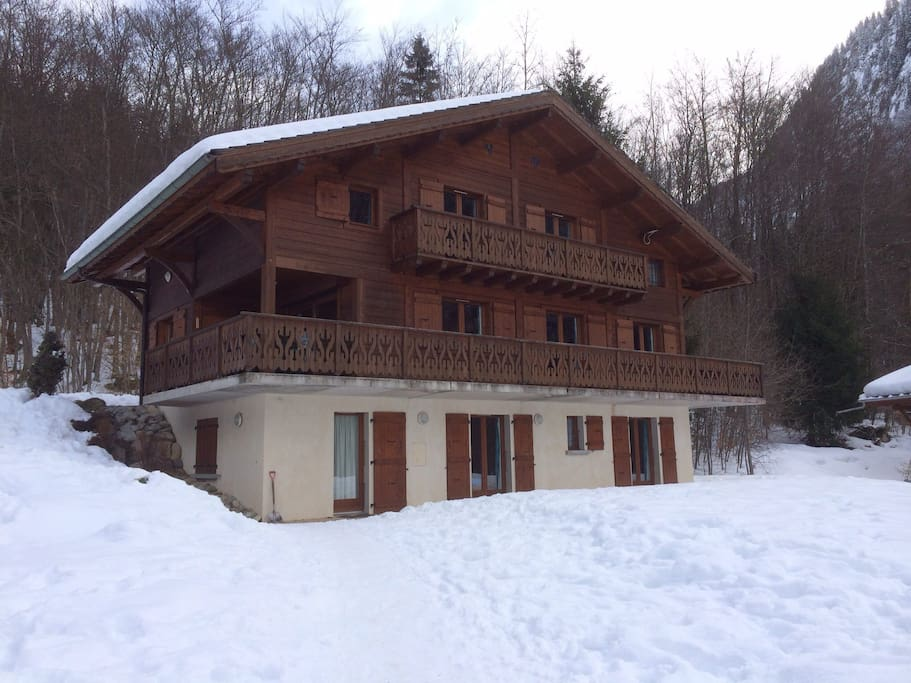 Chalet Clairvaux in the winter