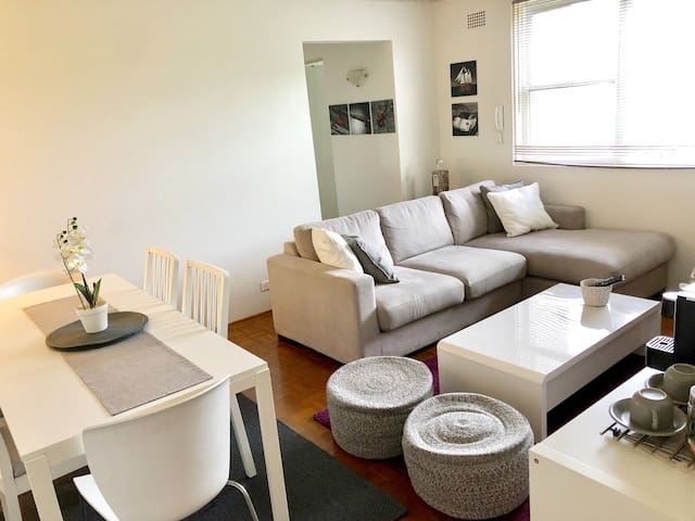 Perfect Location, Apt close to Bondi and Tamarama