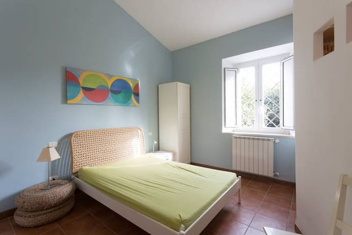 Nice double room,for 2 or 3 guests! - Rome - Maison