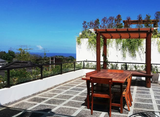 Huge 3 Bedroom Villa with Private Pool & Rooftop