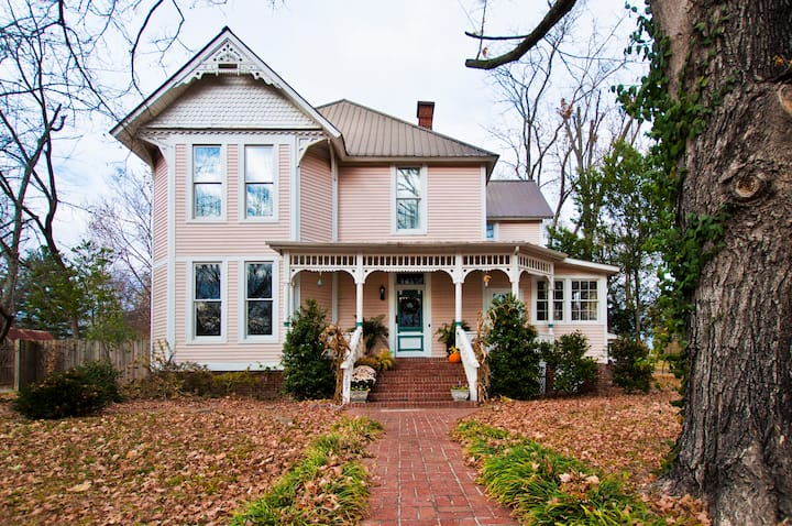 Beautifully restored Victorian home in quaint town