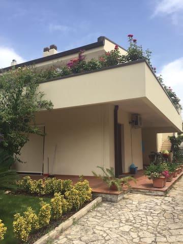 Casa Bondi