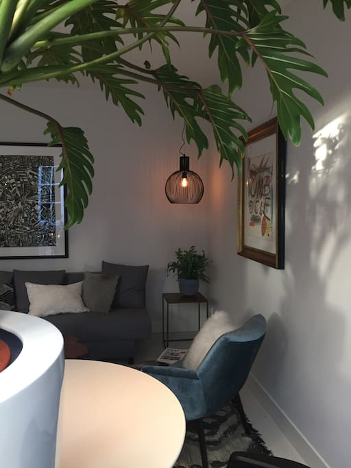designhuisje in hartje centrum maisons de ville louer bois le duc noord brabant pays bas. Black Bedroom Furniture Sets. Home Design Ideas